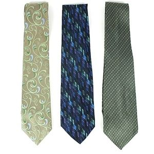 Van Heusen Lot of 3 Men's Silk Ties NWOT       447